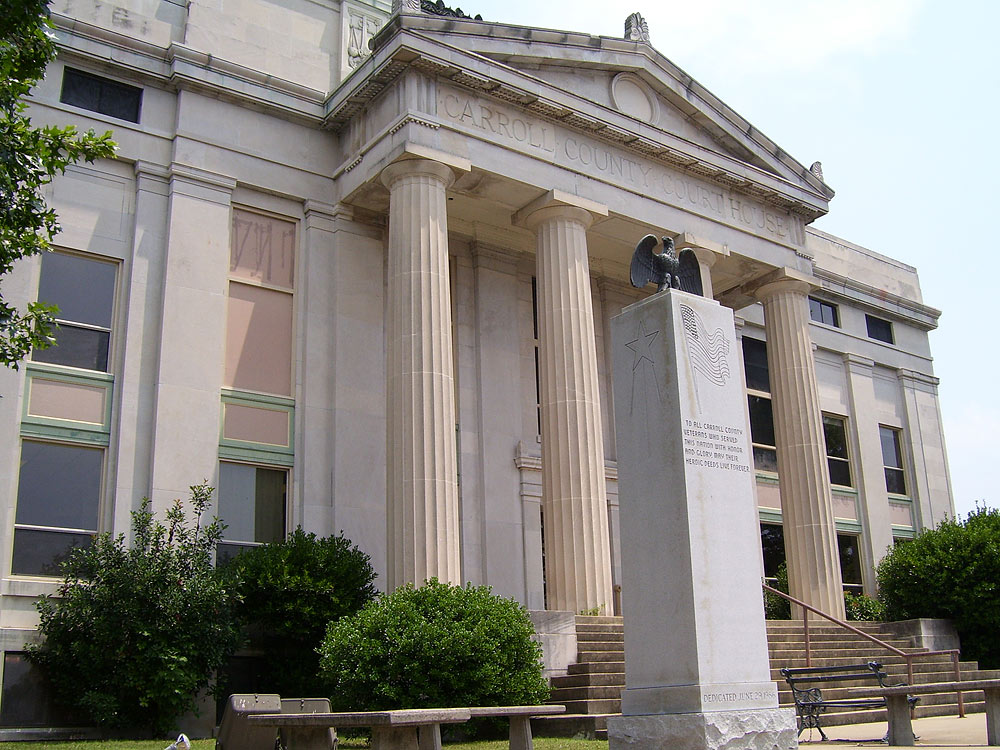 Carroll County Courthouse in Huntingdon, TN